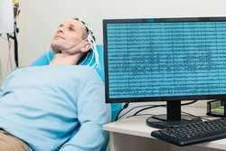 Eletroencefalógrafo neurotec 2